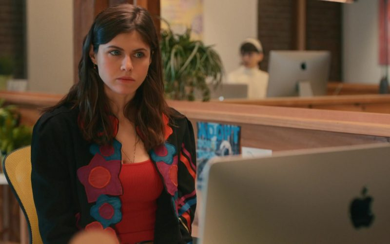 Apple iMac Computer Used by Alexandra Daddario in Can You Keep a Secret (1)