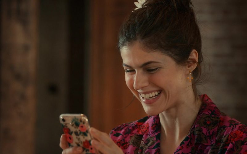 Apple iPhone Smartphone Held by Alexandra Daddario in Can You Keep a Secret