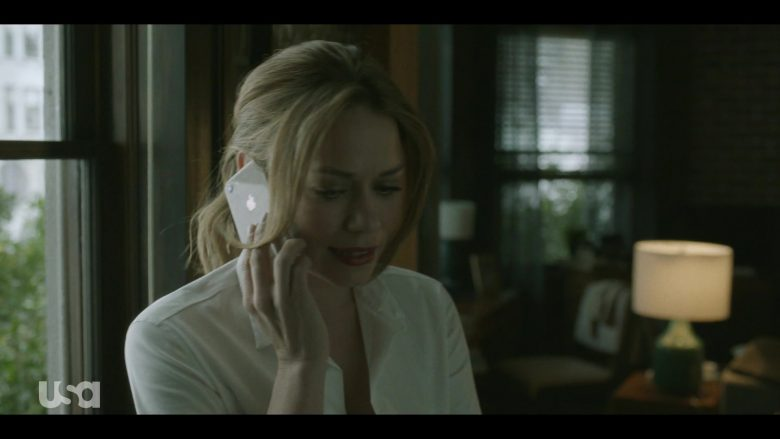 """Apple iPhone Smartphone Used by Bethany Joy Lenz in Pearson - Season 1 Episode 10 """"The Fixer"""" (2019) - TV Show Product Placement"""