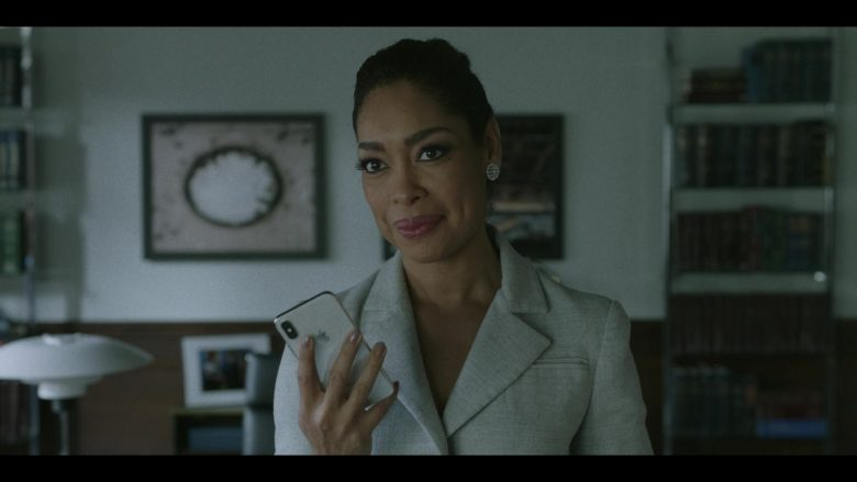 "Apple iPhone Smartphone Used by Gina Torres in Pearson - Season 1, Episode 8, ""The Political Wife"" (2019) TV Show"