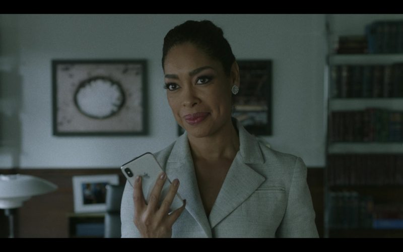Apple iPhone Smartphone Used by Gina Torres in Pearson (1)