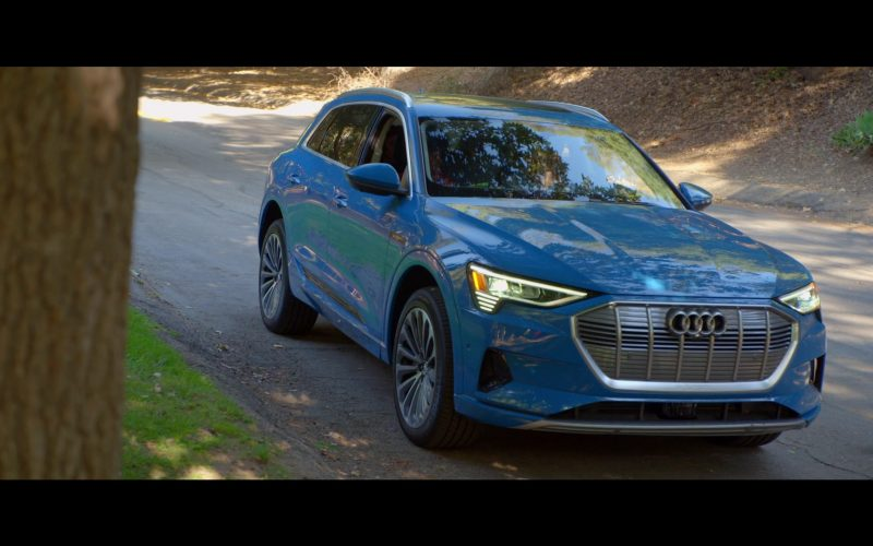 Audi E-tron Blue Car in Why Women Kill (11)