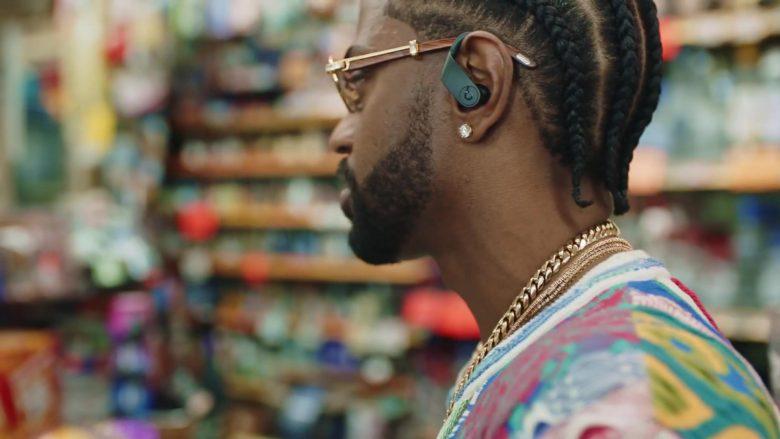 Beats Wireless Earphones in Bezerk by Big Sean ft. A$AP Ferg, Hit-Boy (1)