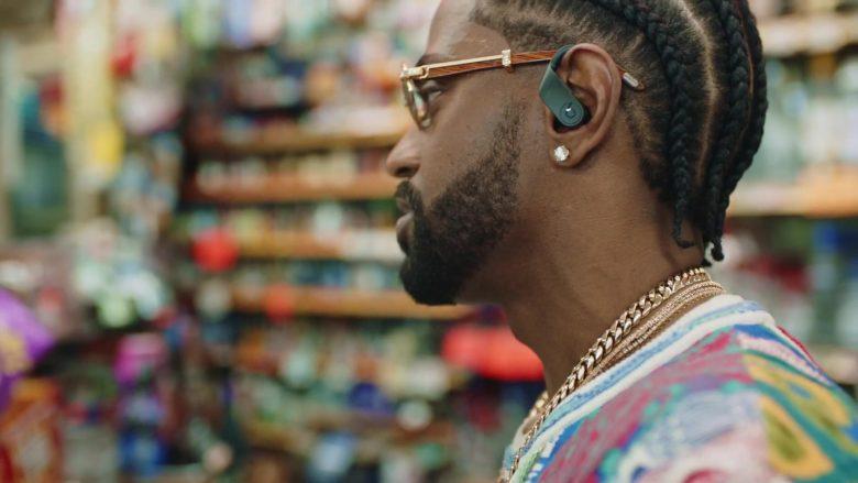 Beats Wireless Earphones in Bezerk by Big Sean ft. A$AP Ferg, Hit-Boy (2)