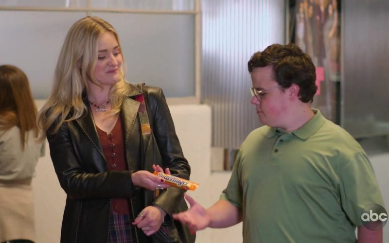 Butterfinger Candy Bar Held by AJ Michalka as Lainey Lewis in Schooled (1)