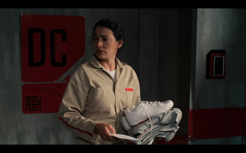 Champion Sneakers Held by Natalie Martinez in The I-Land – Season 1, Episode 7