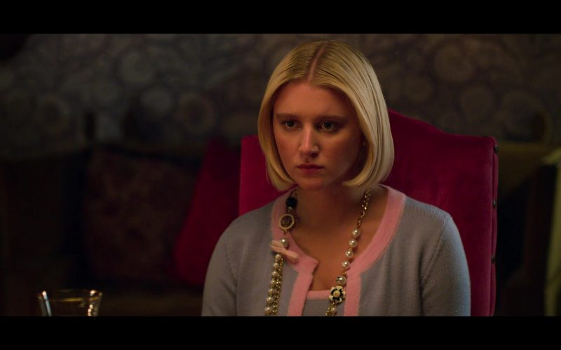 Chanel Necklace Worn by Julia Schlaepfer as Alice Charles in The Politician (1)