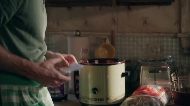 """Crock-Pot in Bless This Mess - Season 2 Episode 1 """"459"""" (2019) - TV Show Product Placement"""