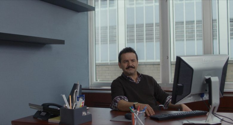 Dell Computer Monitor Used by Max Casella in Late Night (2019) Movie
