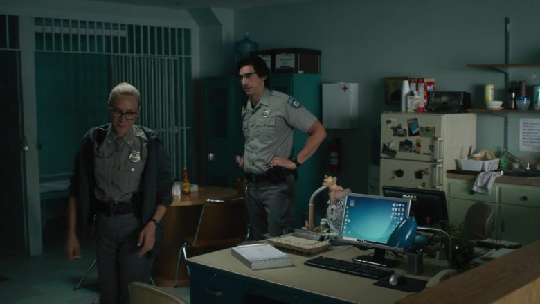Dell Computer Monitors Used by Adam Driver & Chloë Sevigny in The Dead Don't Die (2019) - Movie Product Placement