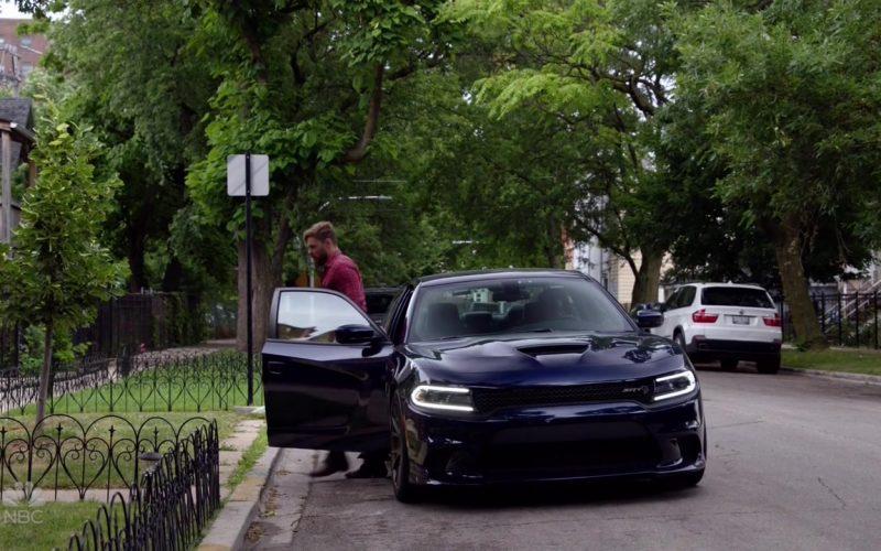 Dodge Charger SRT Blue Car in Chicago P.D (4)