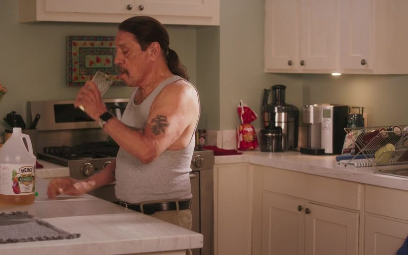 Heinz Vinegar Apple Cider Enjoyed by Danny Trejo in Grand-Daddy Day Care (2)