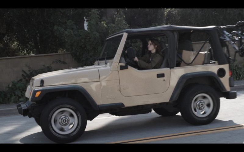 Jeep Wrangler Car Used by Kaitlyn Dever in Unbelievable (2)