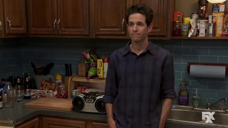 "Keebler Fudge Stripes Cookies in It's Always Sunny in Philadelphia - Season 14 Episode 1 ""The Gang Gets Romantic"" (2019) - TV Show Product Placement"