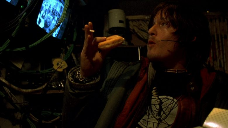 Krispy Kreme Donuts Enjoyed by Norman Reedus in Blade 2 (2002) - Movie Product Placement
