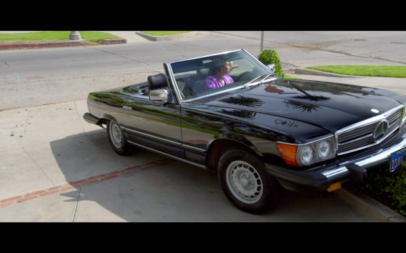 Mercedes-Benz 450 SL Convertible Black Car Used by Lucy Liu as Simone Grove in Why Women Kill (2)