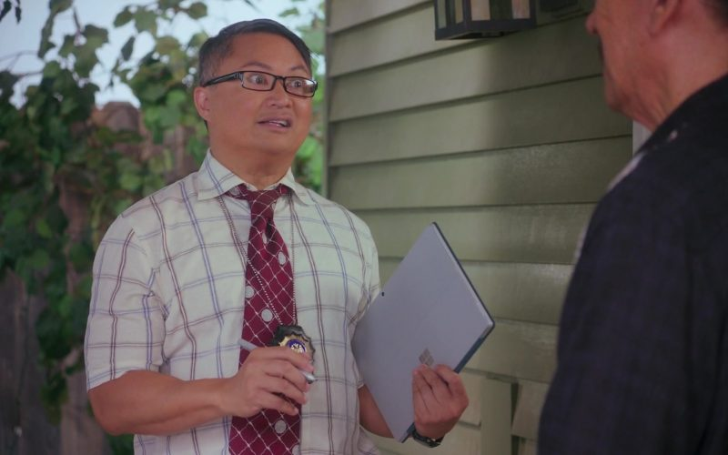 Microsoft Surface Tablet Used by Alec Mapa in Grand-Daddy Day Care (1)