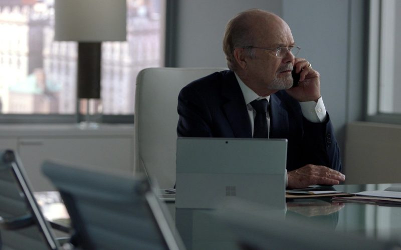 Microsoft Surface Tablet in Suits (1)