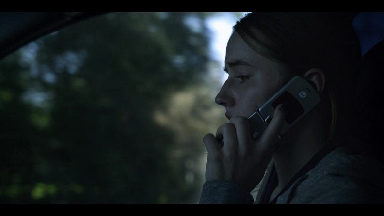 Motorola Razr Cell Phone Used by Kaitlyn Dever in Unbelievable - Season 1, Episode 3 (2019) - TV Show Product Placement