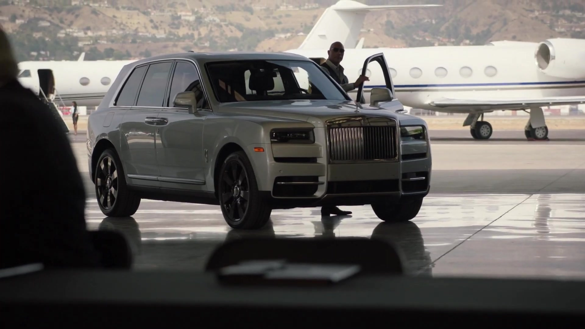 Rolls Royce Cullinan Suv Driven By Dwayne Johnson As Spencer