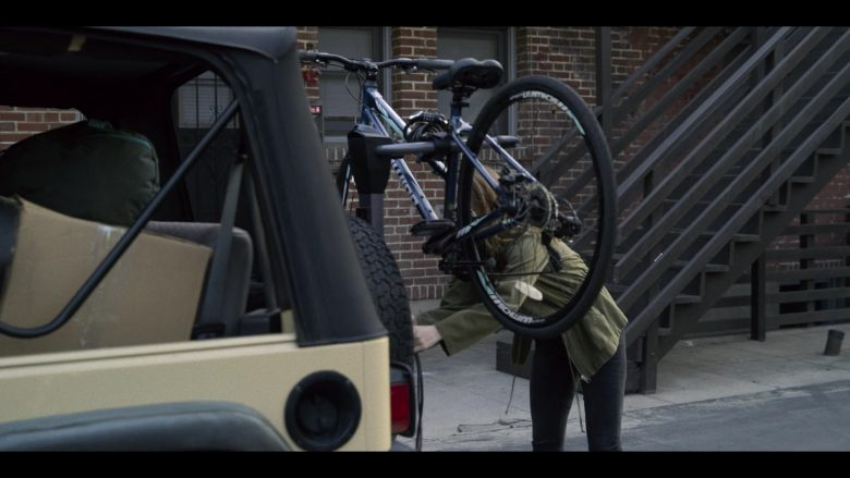Schwinn Bicycle Used by Kaitlyn Dever in Unbelievable - Season 1, Episode 8 (2019) - TV Show Product Placement