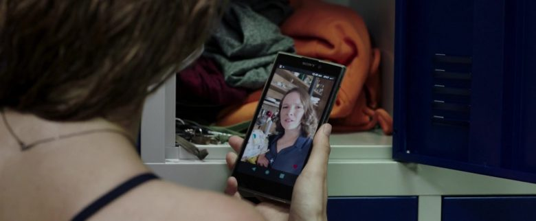 Sony Xperia Smartphone Used by Kaya Scodelario in Crawl (4)