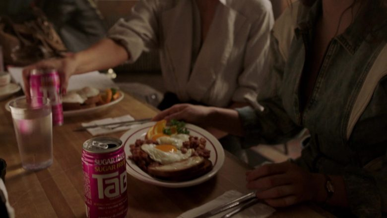 Tab Soda in The Deuce - Season 3 Episode 2 (2019) - TV Show Product Placement