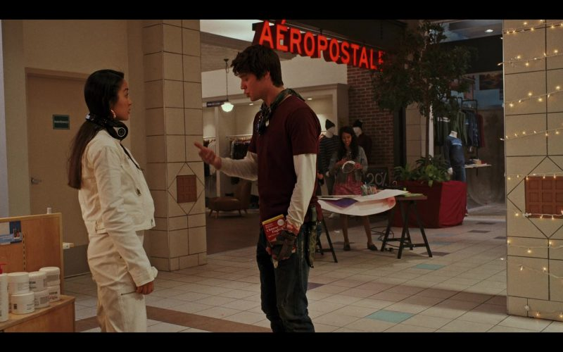 Aéropostale Clothing Store in Daybreak Season 1 Episode 5 (2)