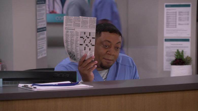 Acer Monitor Used by Cedric Yarbrough as Nurse Dennis in Carol's Second Act (3)