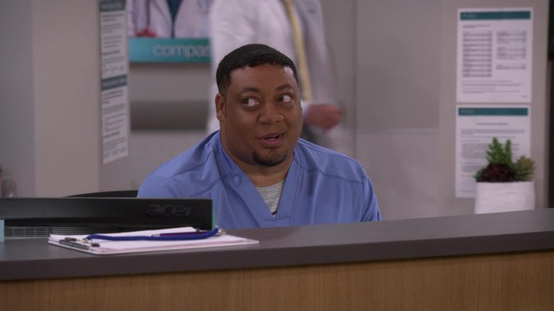 Acer Monitor Used by Cedric Yarbrough as Nurse Dennis in Carol's Second Act (4)