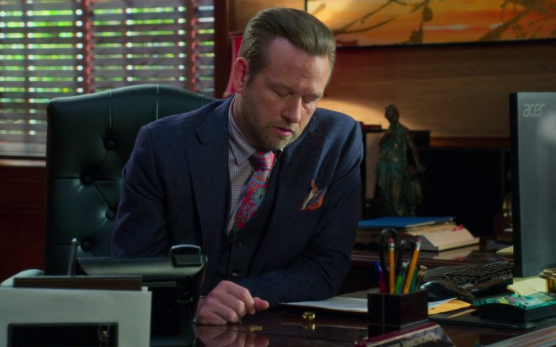 Acer Monitor Used by Dallas Roberts as Robert 'Bob' Armstrong Jr. in Insatiable