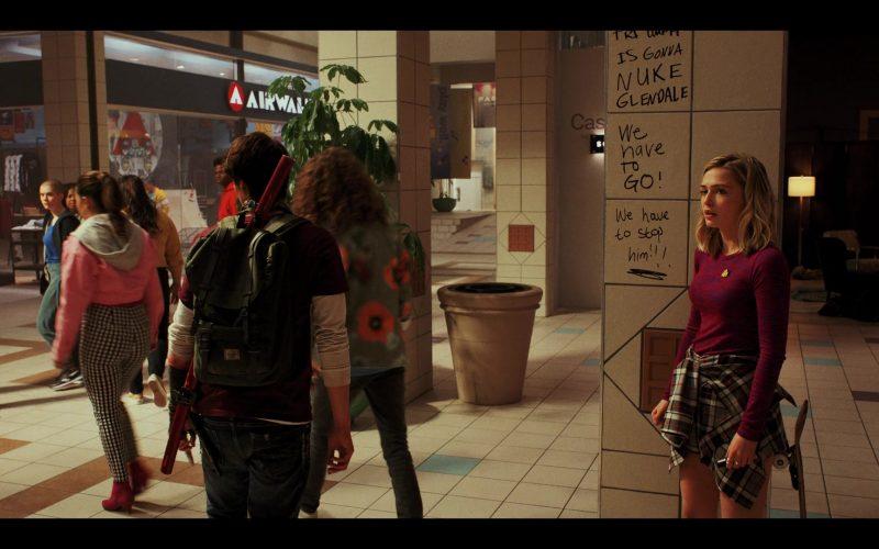 Airwalk Store in Daybreak Season 1 Episode 10 (1)