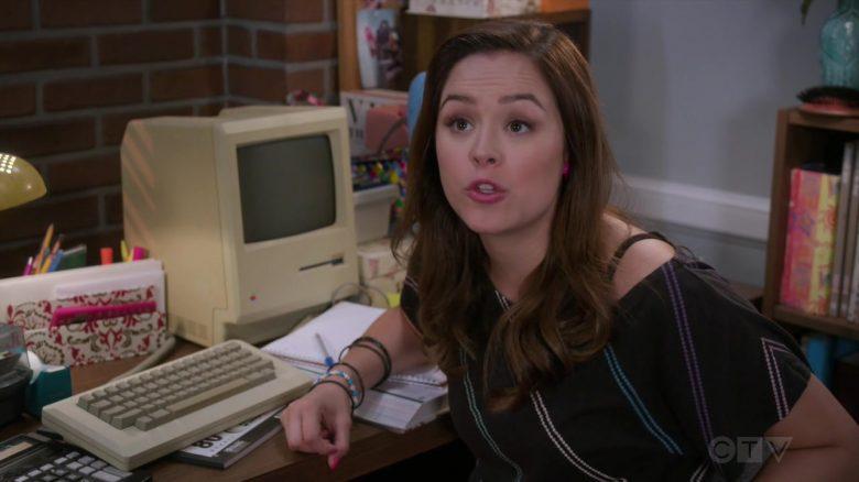 Apple Computer Used by Hayley Orrantia as Erica Dorothy Goldberg in The Goldbergs Season 7 Episode 4