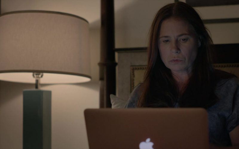 Apple MacBook Air Laptop Used by Maura Tierney as Helen Butler in The Affair (2)