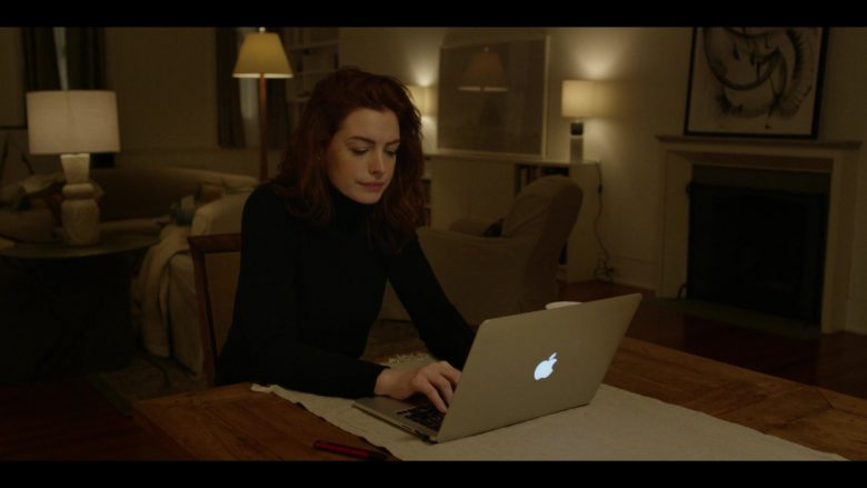 Apple MacBook Laptop Used by Anne Hathaway as Lexi in Modern Love Season 1 Episode 3 (5)