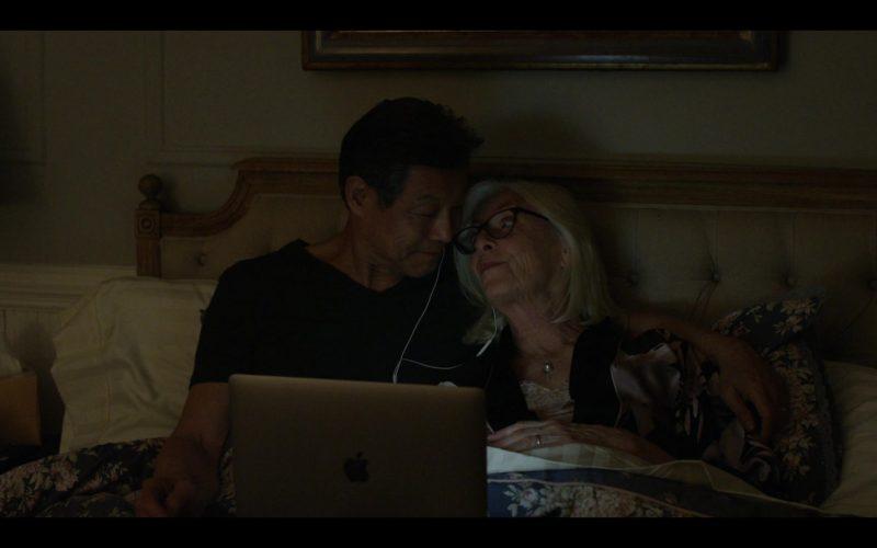 Apple MacBook Laptop Used by Jane Alexander as Margot and James Saito as Kenji in Modern Love Season 1 Episode 8