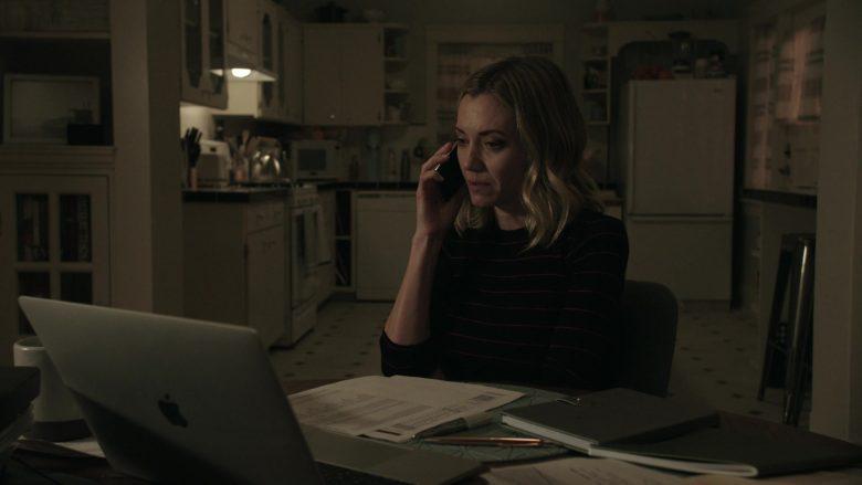 Apple MacBook Laptop Used by Megan Stevenson as April Quinn in Get Shorty (3)