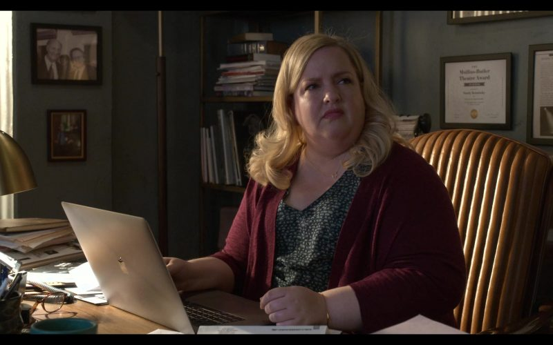 Apple MacBook Laptop Used by Sarah Baker as Mindy in The Kominsky Method (2)