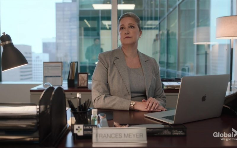 Apple MacBook Laptop in New Amsterdam Season 2 Episode 5