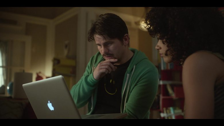 Apple MacBook Pro Laptop Used by Jason Ritter as Pat in Raising Dion (3)
