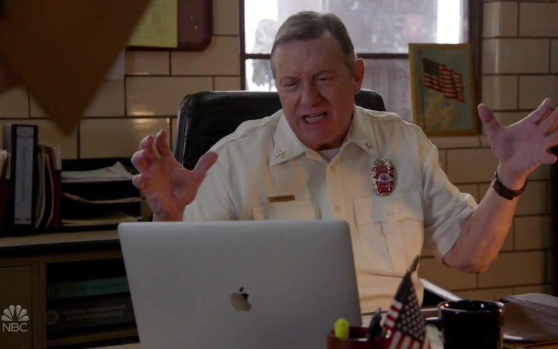 Apple MacBook Pro Laptop in Chicago Fire (1)