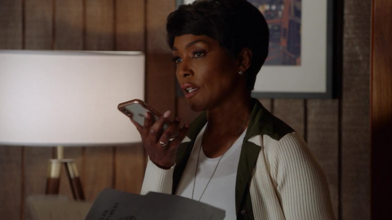 Apple iPhone Smartphone Used by Angela Bassett as Athena Carter Nash (1)