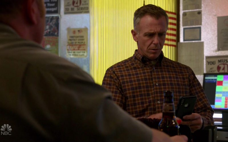 Apple iPhone Smartphone Used by David Eigenberg as Christopher Herrmann in Chicago Fire (1)