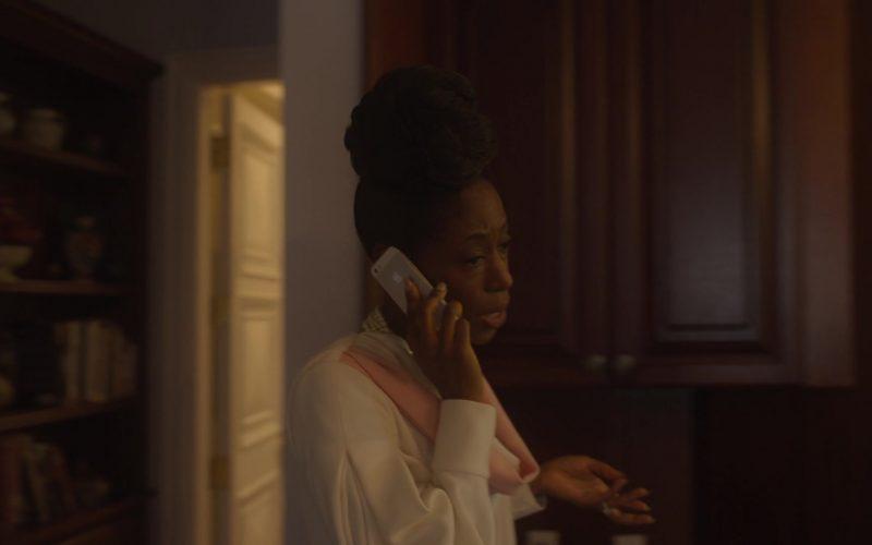 Apple iPhone Smartphone Used by Nikki Amuka-Bird as Miranda in The Laundromat (1)