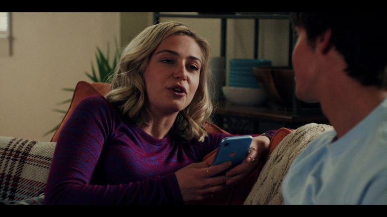 Apple iPhone XR Mobile Phone Used by Sophie Simnett as Samaira 'Sam' Dean in Daybreak Season 1 Episode 8 (2)