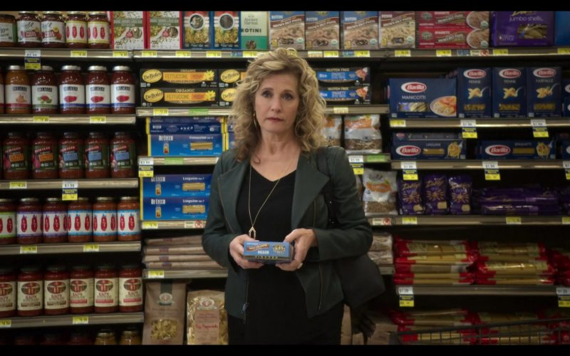 Barilla Pasta in The Kominsky Method Season 2 Episode 1