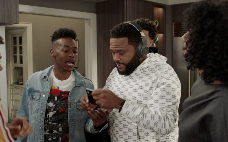 Beats Headphones Used by Anthony Anderson as Andre Johnson in Black-ish –
