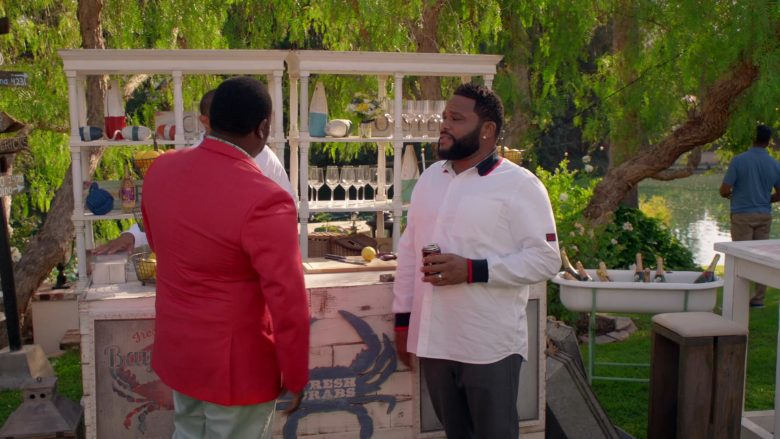 Blackberry White Shirt Worn by Anthony Anderson as Dre Johnson in Black-ish Season 6 Episode 5 (1)