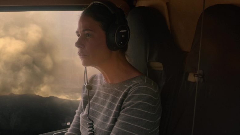 Bose Aviation Headset Used by Maura Tierney as Helen Butler in The Affair (2)
