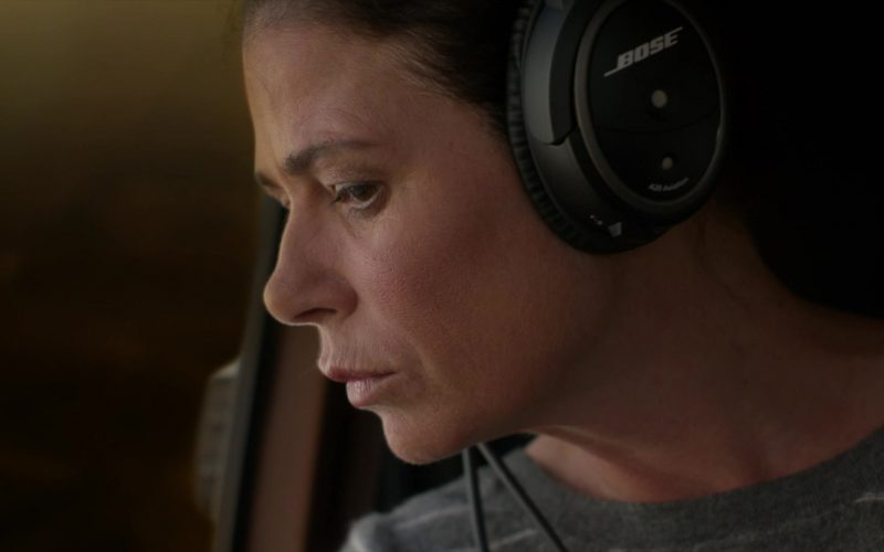 Bose Aviation Headset Used by Maura Tierney as Helen Butler in The Affair (3)